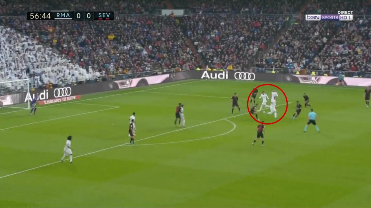 Luka Jovic Pass vs. Sevilla
