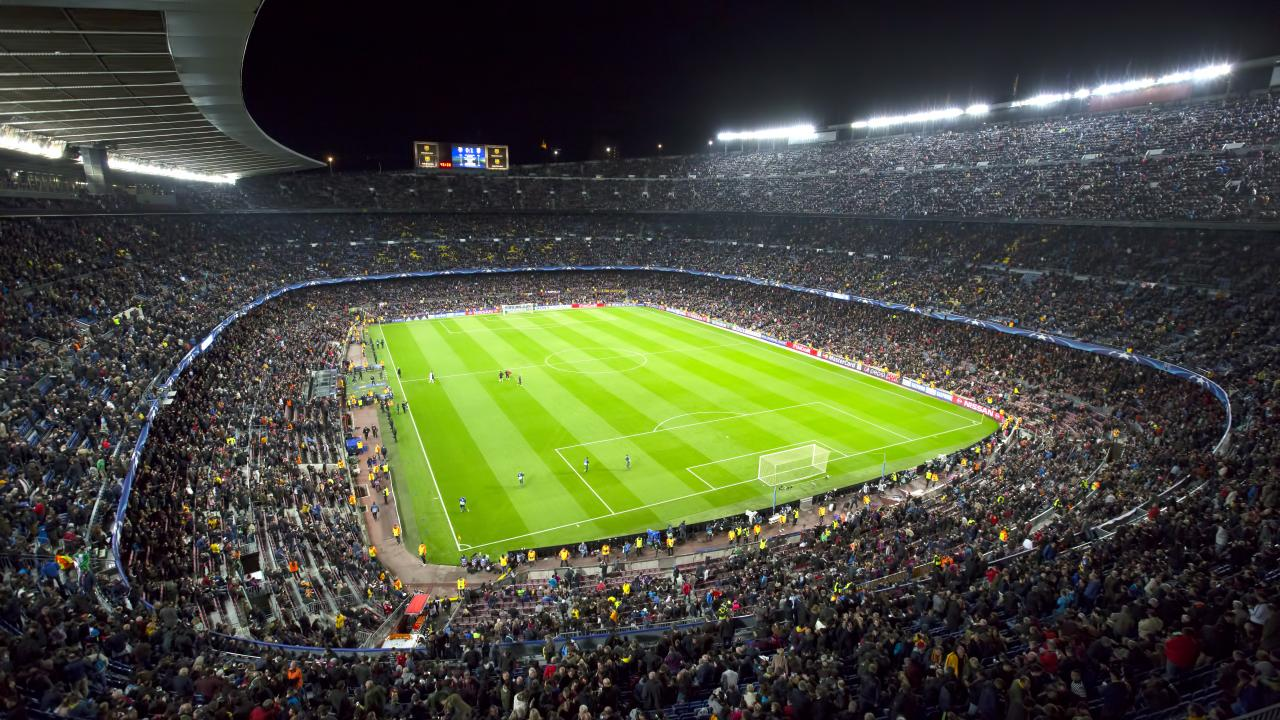 How Many Players On A Soccer Field