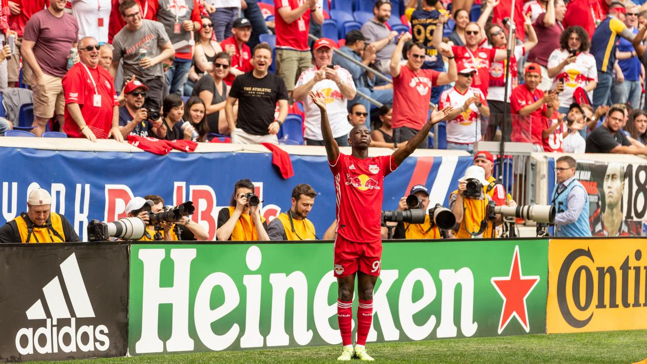 Bradley Wright-Phillips goal celebration