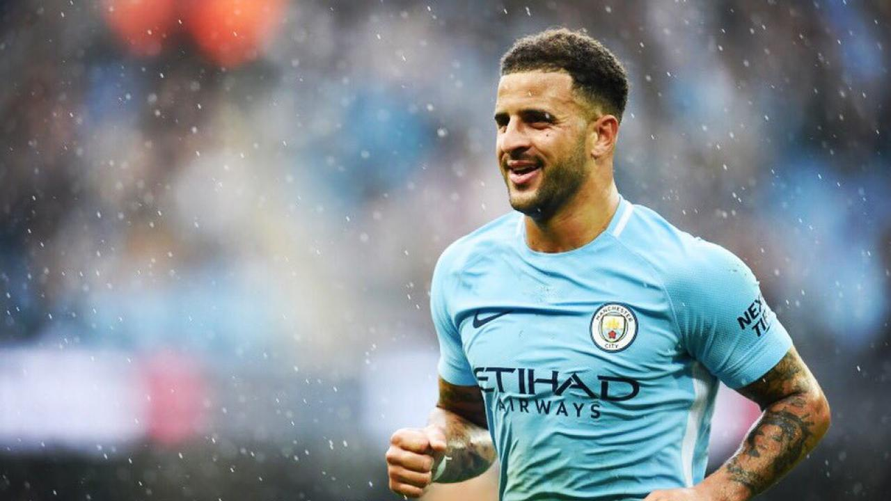 Kyle Walker Wastes Time With Ball Boy