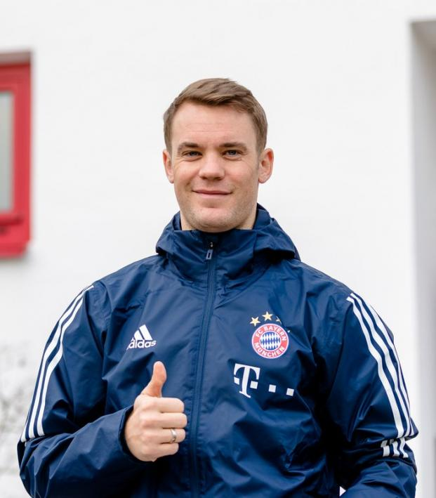 Manuel Neuer Back In Training