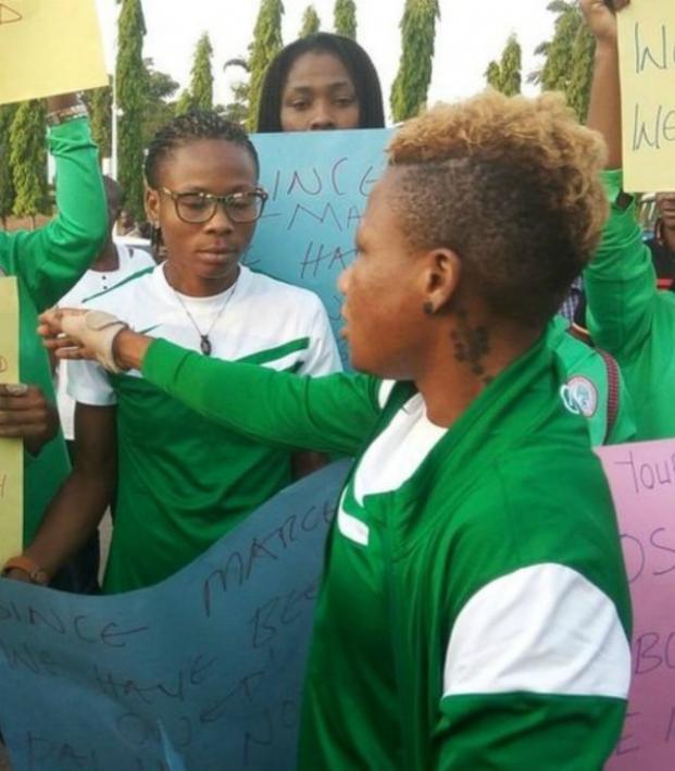 Nigeria's women's national team protests unpaid bonuses.