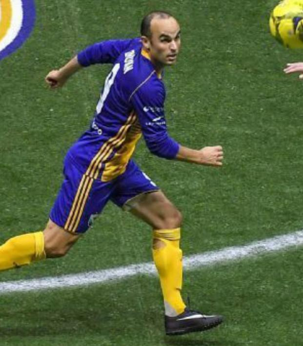Landon Donovan indoor soccer boy