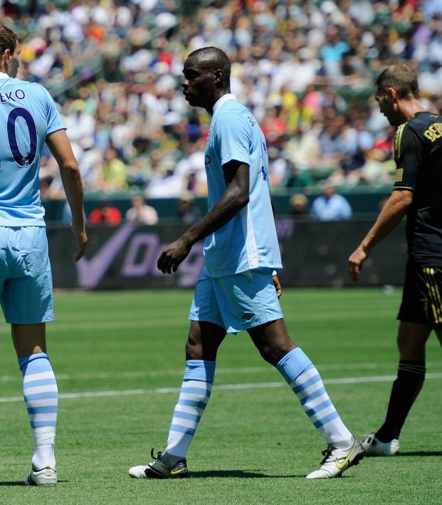 Mario Balotelli back-heel