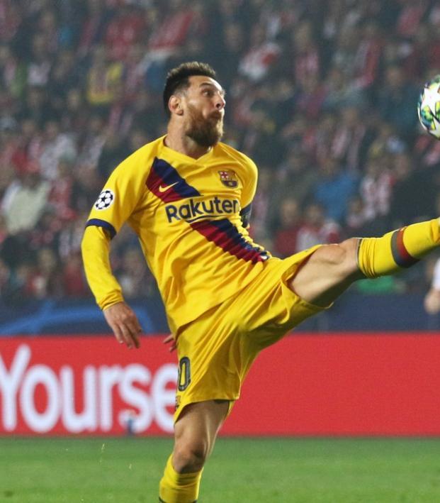 Lionel Messi training