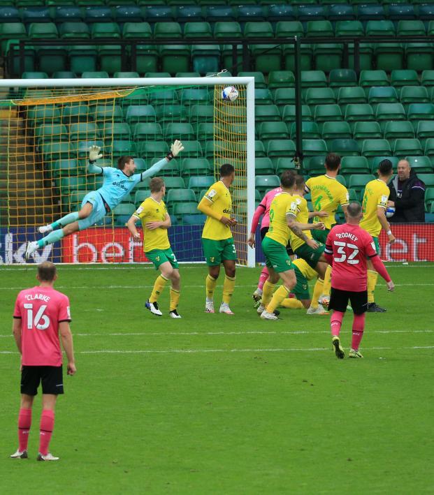 Wayne Rooney Free Kick vs Norwich