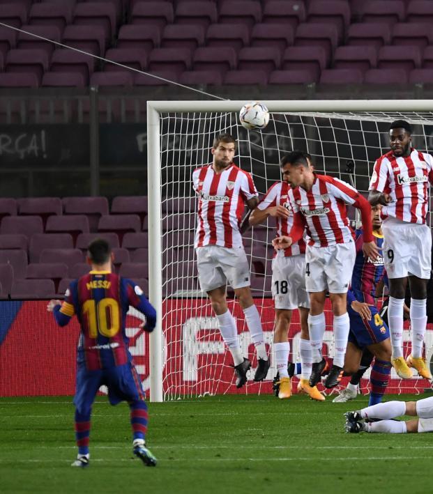 Lionel Messi free kick vs Athletic Bilbao