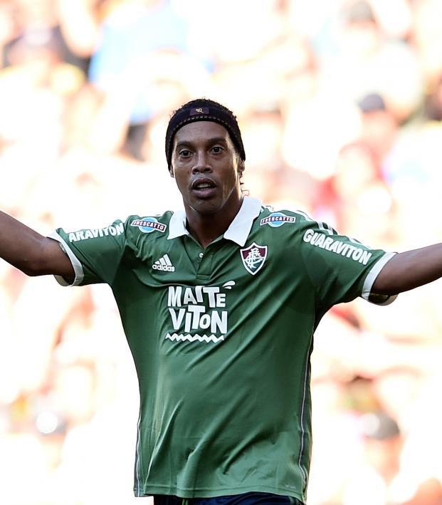 Ronaldinho out on bail