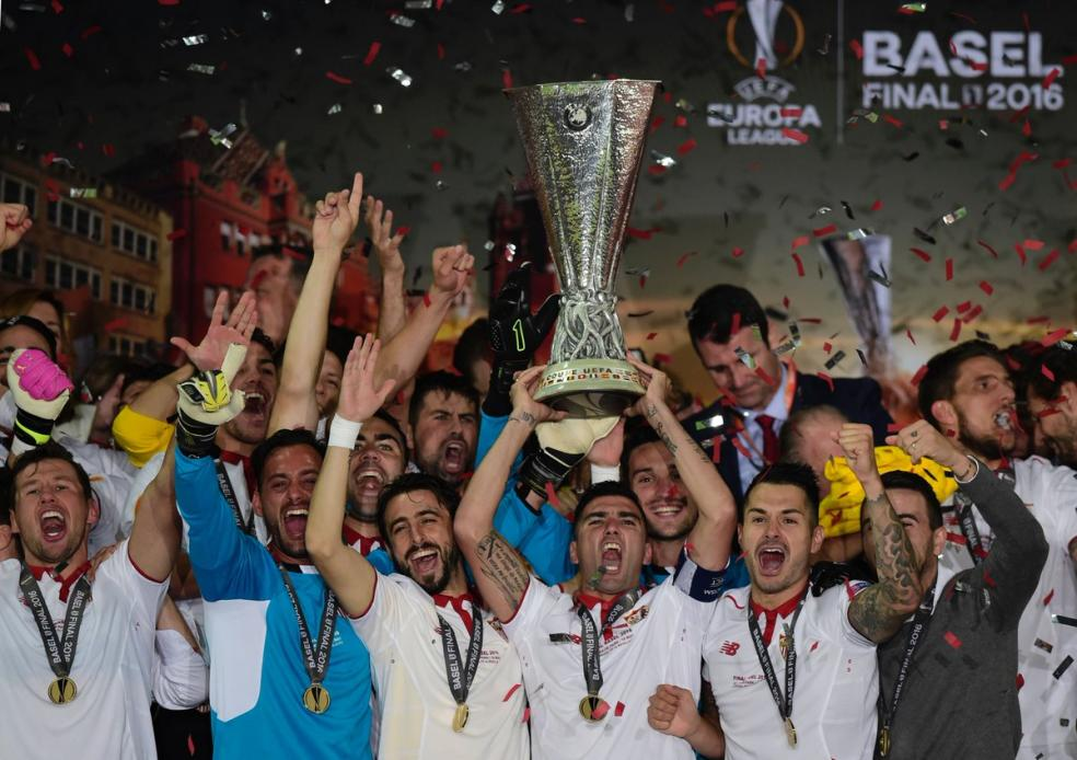 Sevilla hoist the Sevilla Cup