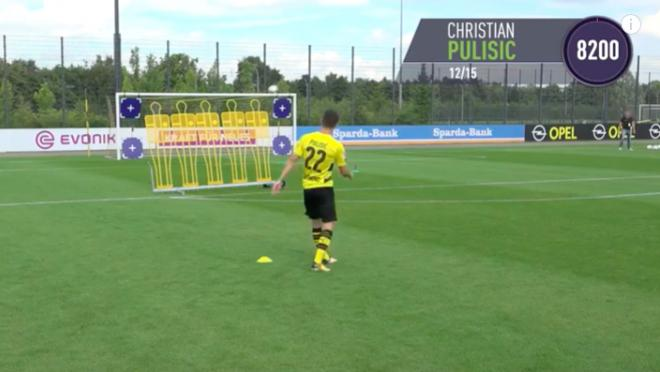Christian Pulisic FIFA 18 Free Kick Challenge