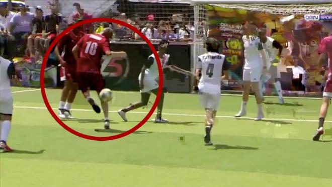 Zinedine Zidane 5-a-side goal