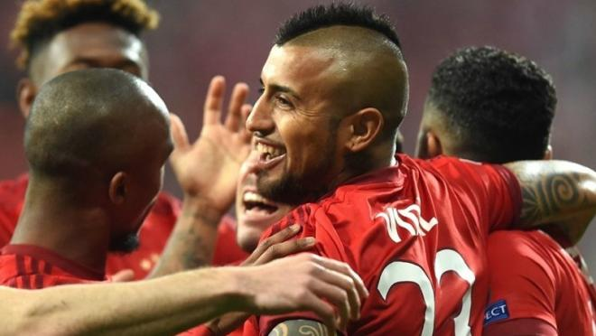 Arturo Vidal and company celebrates his early goal.