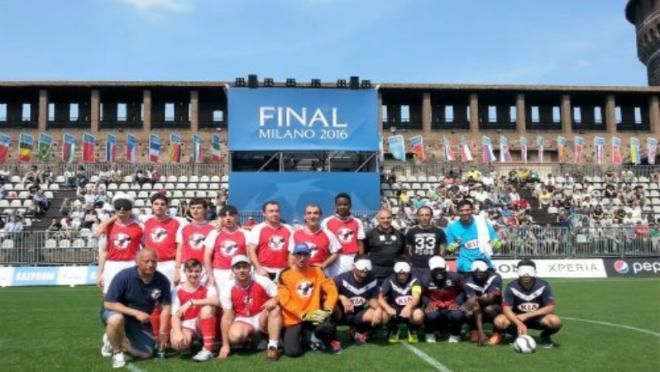 Members of Girondins de Bordeaux and ASD Liguria Calcio Non Vedenti