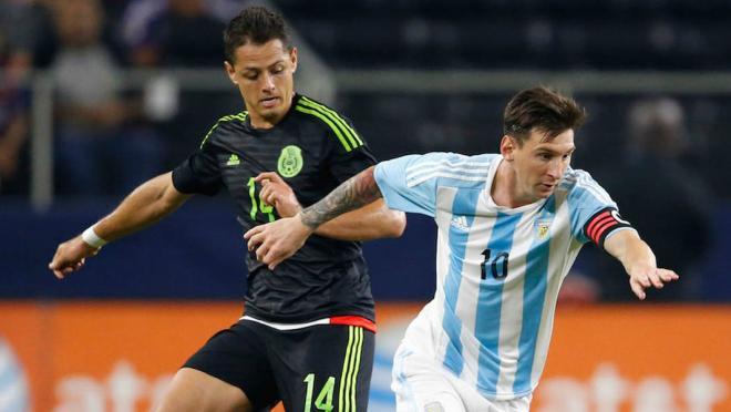Chicharito vs Messi