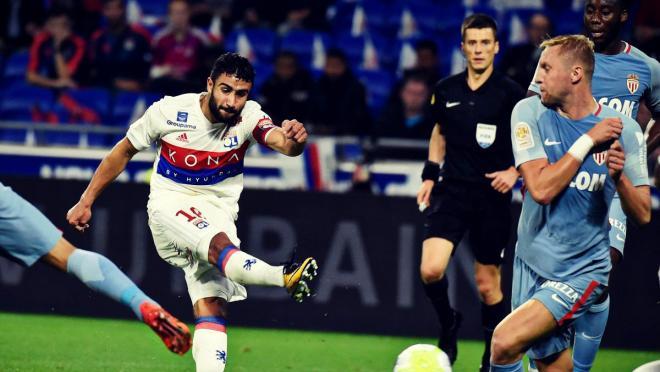 Nabil Fekir free kick