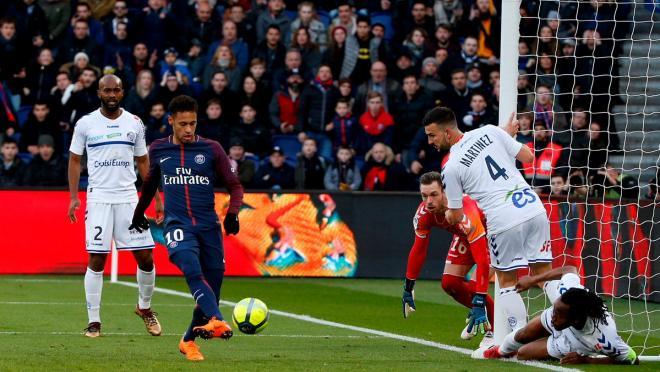 Neymar dribbling highlights vs Strasbourg 2018