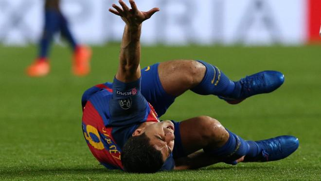 Should you wear shin guards? Luis Suarez says yes.