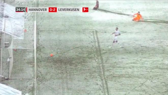 Snow stops goal