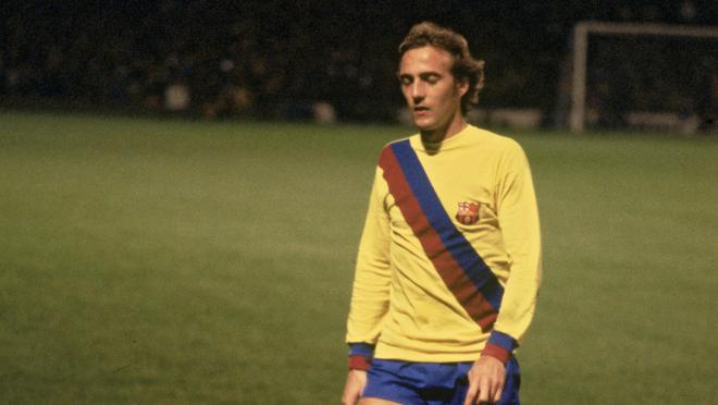 Barcelona 2019-20 away jersey