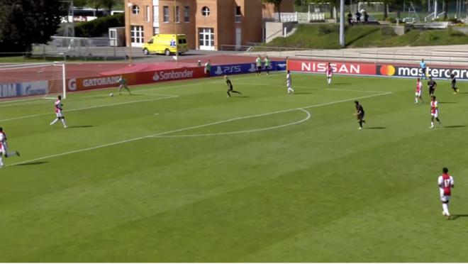 Daan Reiziger own goal