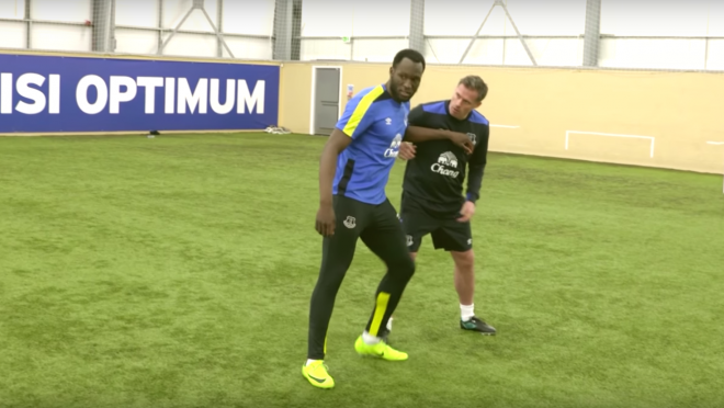 Romelu Lukaku finishing drills with Jamie Carragher