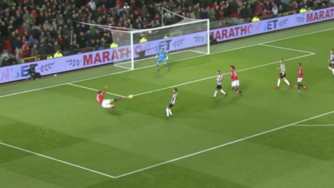Zlatan Ibrahimovic Scissor Kick Attempt
