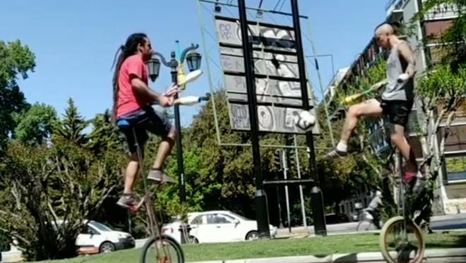 Unicycle Jugglers