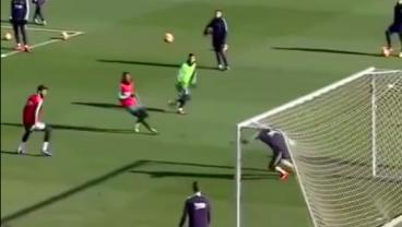 Using His Left Foot As A Brush, Messi Paints A Nonchalant Masterpiece During Training