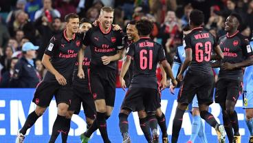 Mertesacker Scores On Oversized Overhead Kick In Way Only A 6-6 German Can
