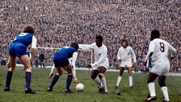 10 Goals That Perfectly Illustrate Pele's All-Around Greatness