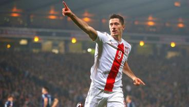 Robert Lewandowski Becomes Poland's All-Time Leading Scorer With Silly Free-Kick