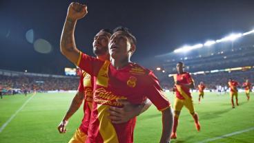 Raul Ruidiaz Hits A Game-Winning, 15-Yard Scissor Kick In Liga MX Play