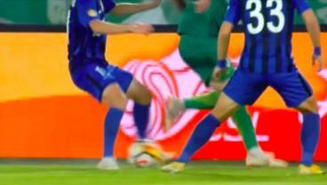 Brazilian International Renato Augusto Pulls Off A Filthy Double Nutmeg