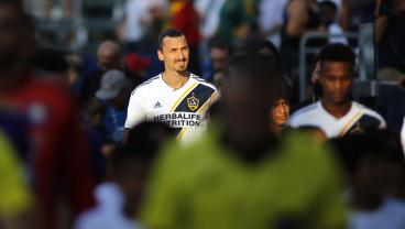 Zlatan Promises Massive Minnesota Crowd A Show, Promptly Delivers