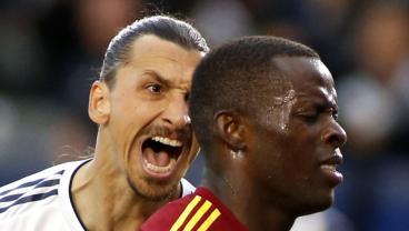 Zlatan Doesn't Hold Back In Criticizing Carlos Vela Ahead Of El Tráfico