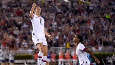 Carli Lloyd's Towering Header Kicks Off Victory Tour In Front Of Over 37,000