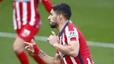 Luis Suárez Strikes The Perfect Free Kick To Send Atlético 10 Points Clear