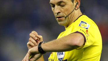 How Does Ref Decide When To End Soccer Match?