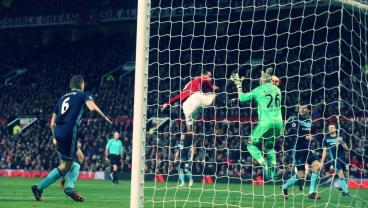 Amazing Goal From Zlatan Disallowed Due To High Foot. We Call Bullsh*t.