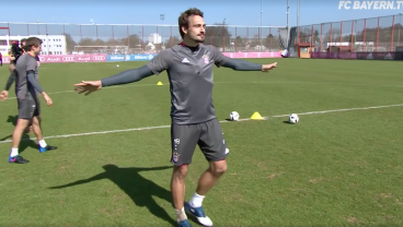 Thomas Muller and Mats Hummels Are Hilarious In This Shootout Challenge
