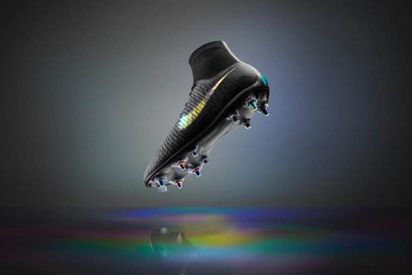 Nike Anti-Clog Technology Boots