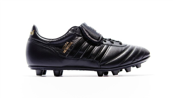 Top Football Boots - adidas Copa Mundial (Black Out Edition)